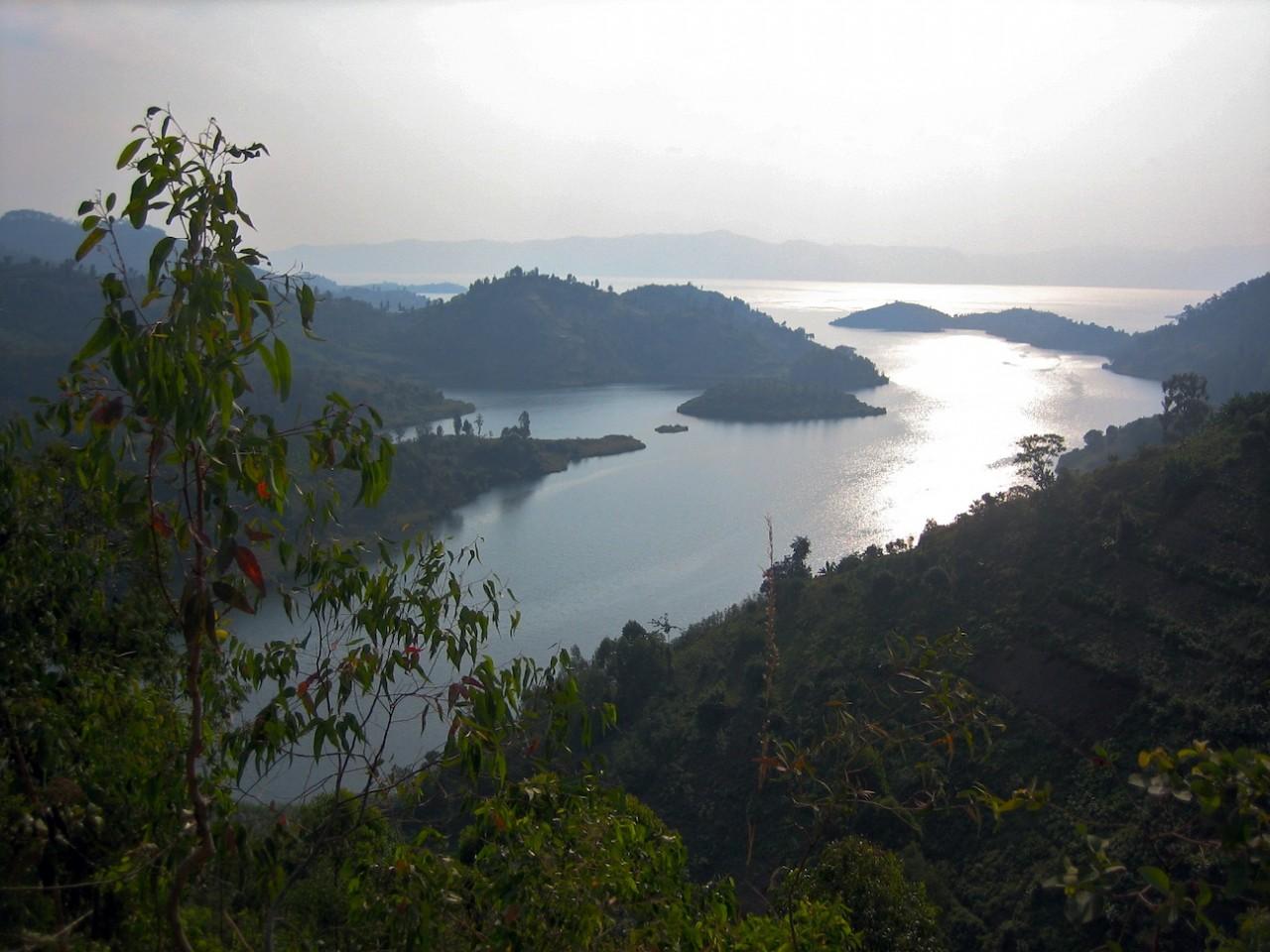 omg-facts-most-dangerous-kivu-lake